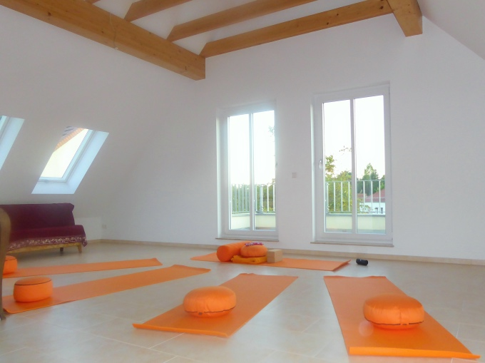 Carola Schmidt Coaching Yoga Yogaraum Glienicke