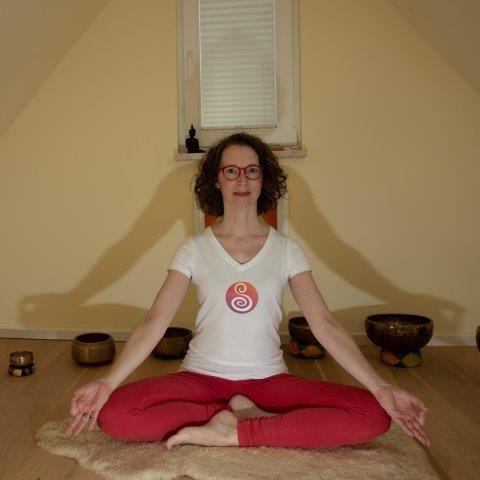 Carola Schmidt Yoga Online